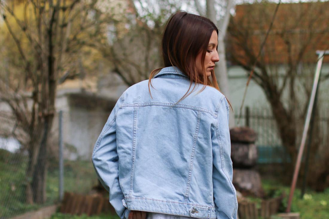 veste-jeans-robe-blanche2
