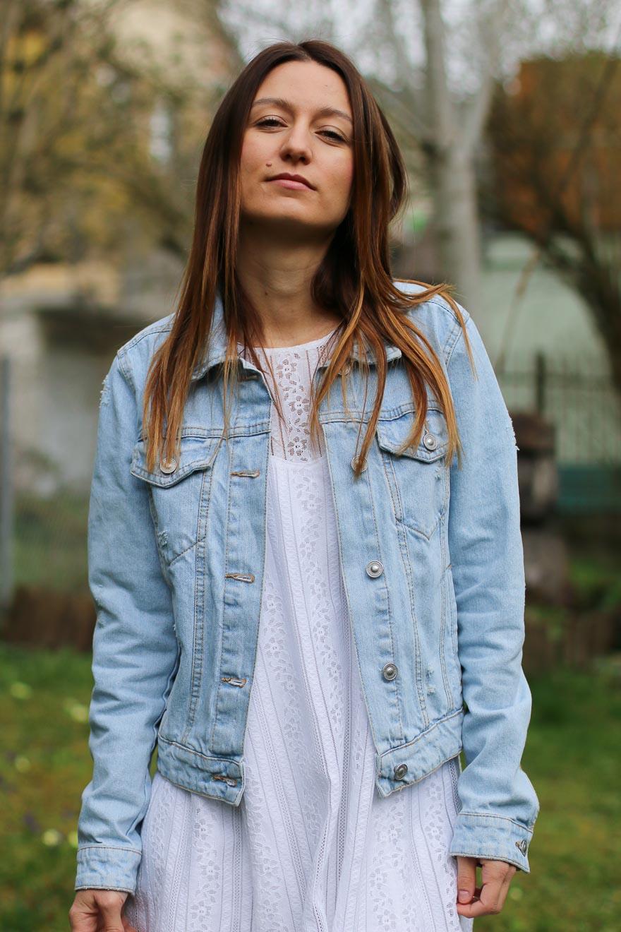 veste-jeans-robe-blanche7