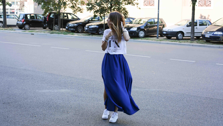 blog-mode-robe-bleue-baskets-blanches5