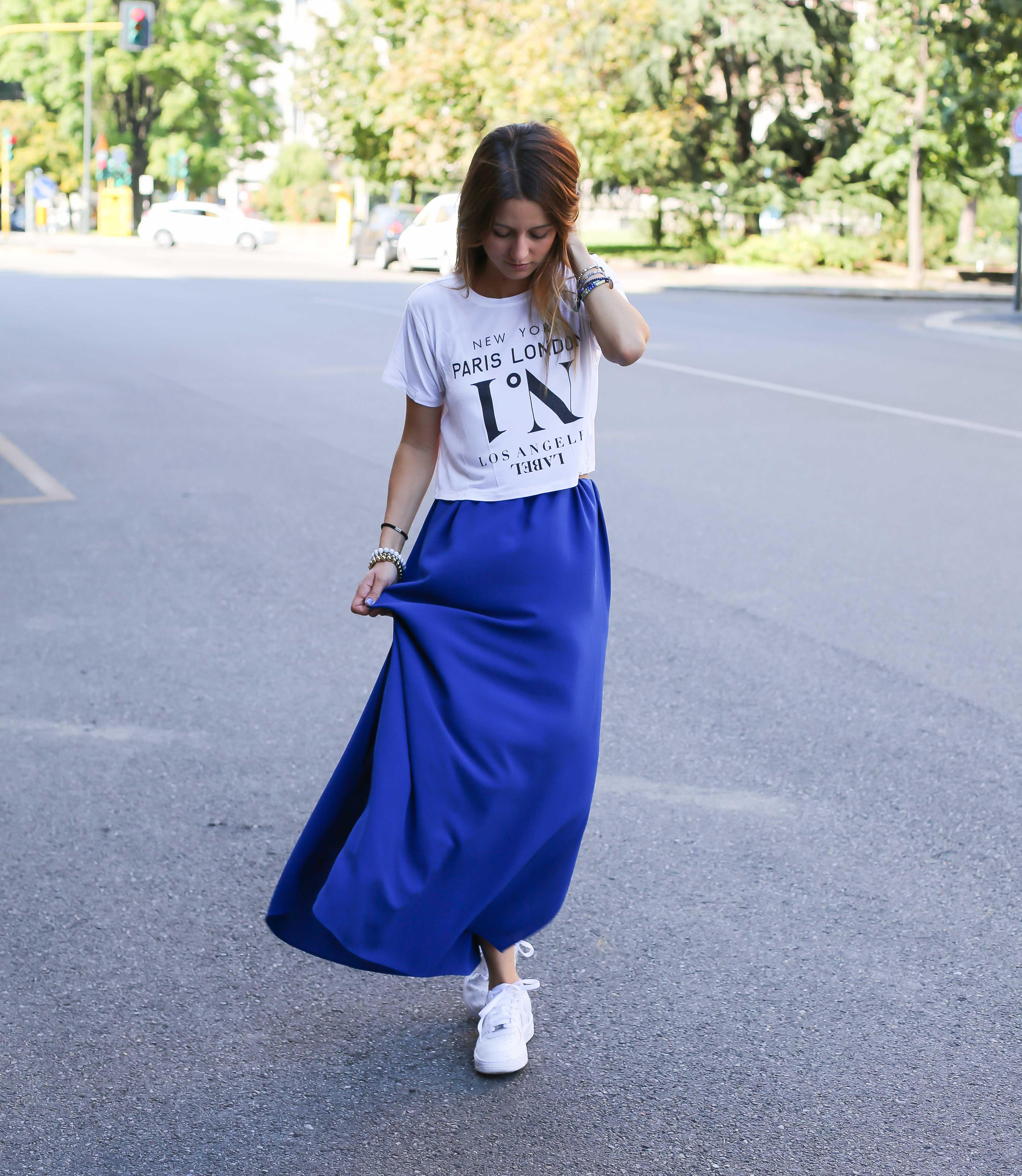 blog-mode-robe-bleue-baskets-blanches7