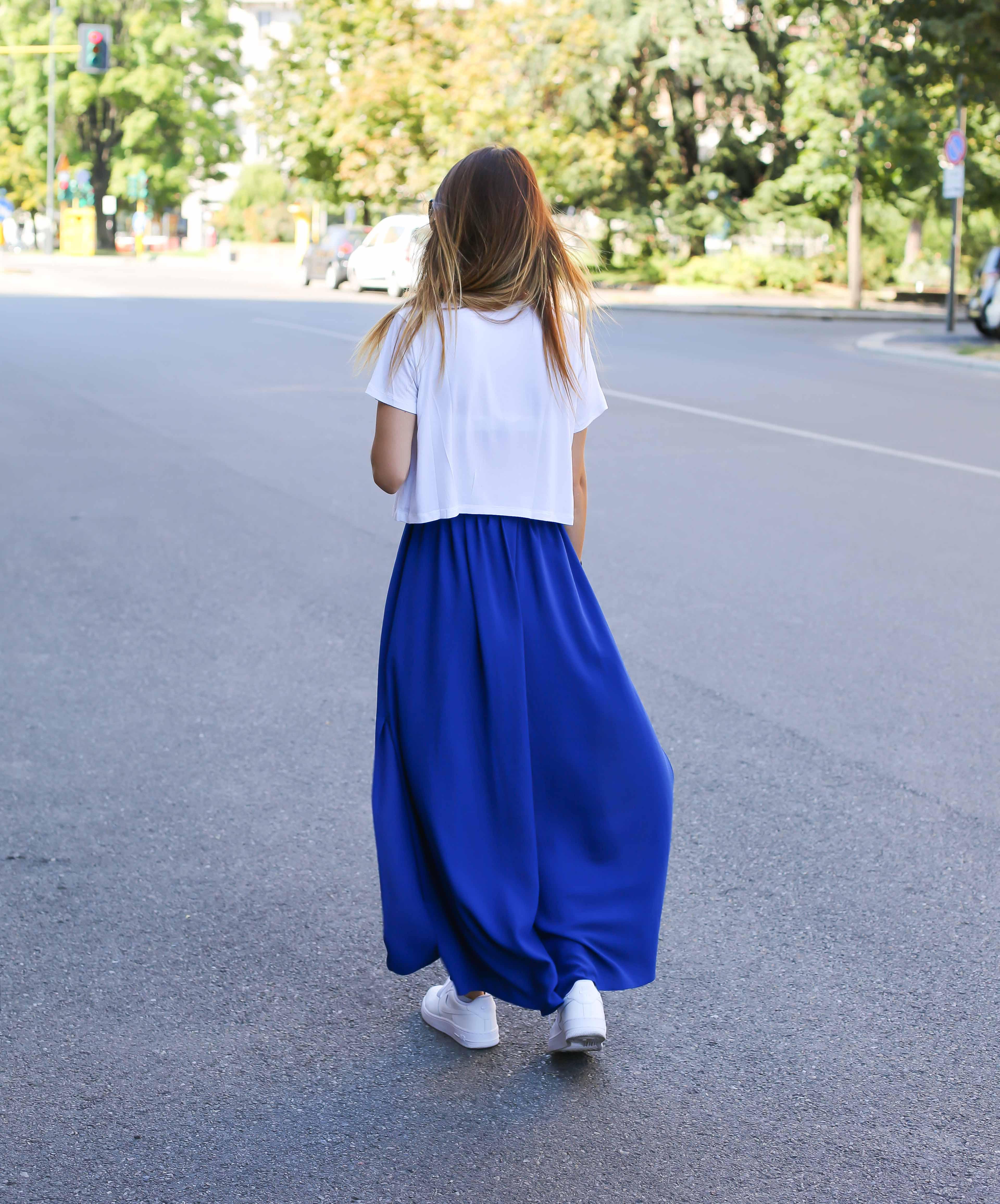 blog-mode-robe-bleue-baskets-blanches8