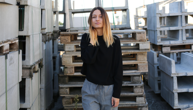 blog-mode-pantalon-gris-pull-noir-chaussures-leopard3
