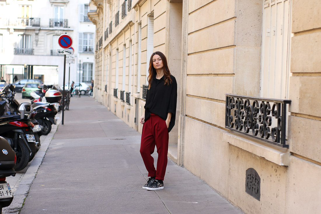 pantalon-rouge-blouson-noir3