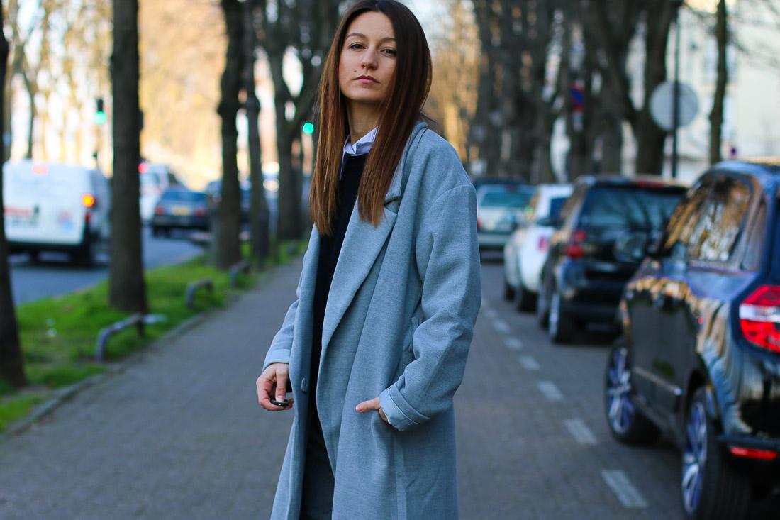 long-manteau-gris-superstar-blanches3