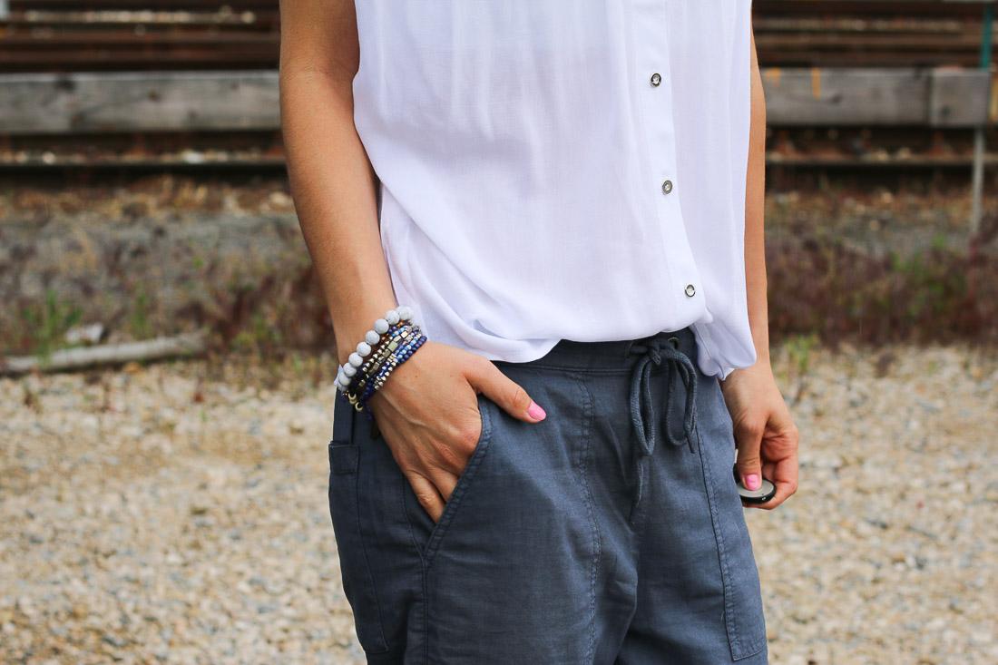 chemise-blanche-pantalon-bleu5