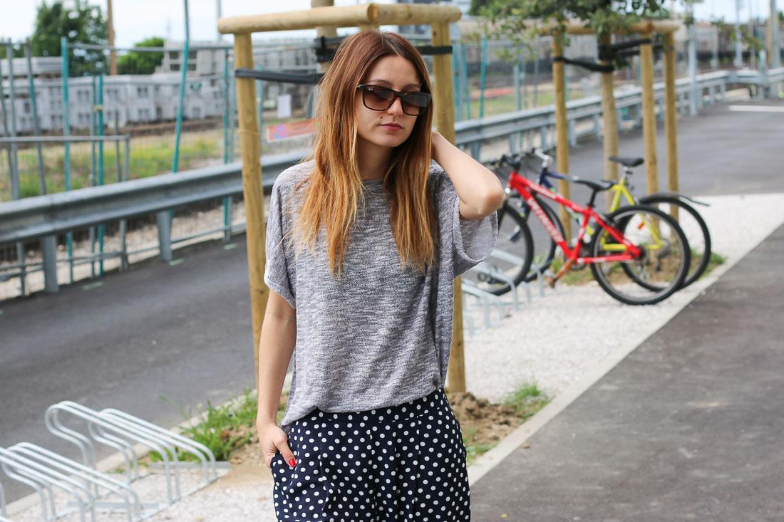 pantalon-pois-tshirt-gris3