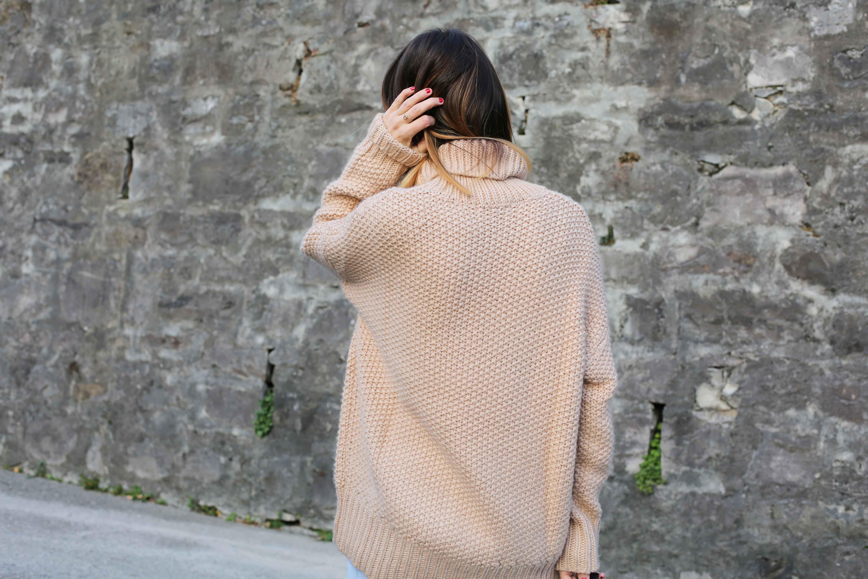 blog-mode-suisse-veste-blanche-perles-pull-rose4